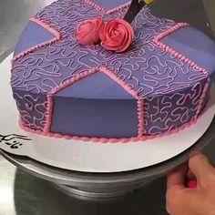Cake Decorating Frosting, Cake Decorating Designs, Creative Cake Decorating, Cake Decorating Techniques, Cake Decorating Tutorials, Creative Cakes, Cake Designs, Cookie Decorating, Cake Baking Videos