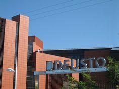 Entrada Universidad de Deusto campus San Sebastián