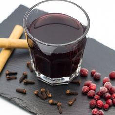 Mulled wine, alcohol free. The recipe is on ny blog. #drink #christmas #jul #glögg #mulledwine #delicious #vegan #veganshare #vegansofig #vegetarian #cinnamon #orange #happy #recipe #blog #foodie #instayum #instagood #Padgram
