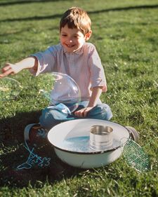 Bubble Wands Blowing the perfect bubble depends on equal parts science and magic. With a few twists of wire, you can make fantastic bubble wands and spend long, lazy days practicing your technique. Summer Crafts For Kids, Summer Activities For Kids, Summer Kids, Diy For Kids, Fun Activities, Cool Kids, Kids Crafts, Party Crafts, Kids Fun