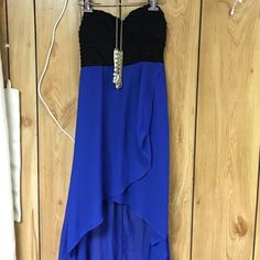 Hi low dress Selling less than i paid:) worn once to a dinner party and i received so many compliments. Has a side zipper Dresses High Low