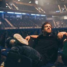 John Krasinski, Lucky Man, Young People, Concert, Hot, German, Stars, Instagram, Waiting