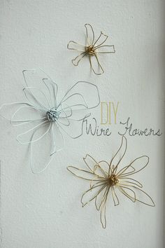 Wire flowers easy to make and would be perfect for nearly any room. Would love these in my bedroom. Adds texture and a fun shape in wall art.