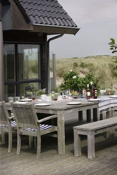 Zeewind, Vlieland where to stay on Vlieland Outdoor Tables, Outdoor Spaces, Outdoor Living, Villas, Table Teck, Al Fresco Dining, Coastal Living, Bed And Breakfast, Pools