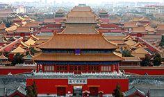 Der weltberühmte Kaiserpalast befindet sich inmitten des Zentrums von Peking und ist eine der größten kaiserlichen Palastanlagen der Welt.