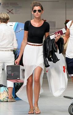 simple...love this white skirt