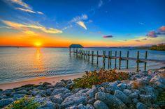 Keller Williams of the Treasure Coast: Stuart, Florida Real Estate information and listings in Stuart, FL. Find all Stuart area homes for sale, Stuart foreclosures, Stuart condos for sale, and Stuart land for sale - Every Listing from Every Company