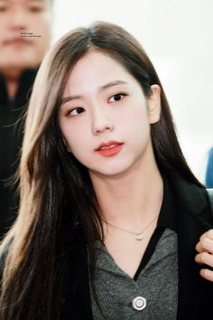 Your source of news on YG's current biggest girl group, BLACKPINK! Please do not edit or remove the logo of any fantakens posted here. Kpop Girl Groups, Korean Girl Groups, Kpop Girls, Blackpink Jisoo, Yg Entertainment, Black Pink ジス, Blackpink Members, Blackpink Photos, Jennie Blackpink
