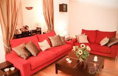 Excellent beautiful two-bedroom rental apartment in the 8th Paris district
