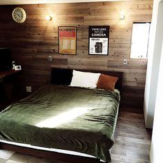 Bedroom/時計/ニトリ/板壁/ダブルベッド/インダストリアル...などのインテリア実例 - 2016-05-10 05:36:12