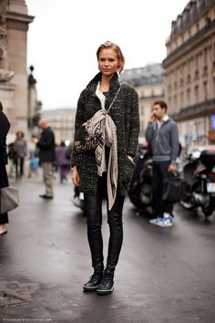 Street Style: isabel marant bouclé coat x leather pants x sneakers x chain bag  #falloutfit #fallstyle #modeloffduty