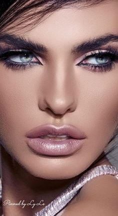 22 - 2019 year wonderful makeup and lipstick models - 1 The first condition of being beautiful is to recognize your own face line. For this reason, yo. Beautiful Eyes Quotes, Most Beautiful Eyes, Gorgeous Eyes, Pretty Eyes, Beautiful Hijab, Gorgeous Women, Makeup Set, Eye Makeup, Portrait Photos