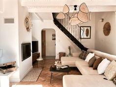 Method Ikea, Chaise Panton, Home Living Room, Hello Hello, Loft, Mirror, Lifestyle, Chic, Furniture