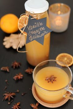 Glühwein Rezept: Herrliche Rezeptideen für die kalte Jahreszeit Vanilla mulled wine with oranges tastes wonderful and with a little decoration, the mulled wine in the glass bottle is a great sou Wine Recipes, Snack Recipes, Aperol, Liqueur, Cinnamon Cream Cheeses, Mulled Wine, Pumpkin Spice Cupcakes, Ice Cream Recipes, Soy Candles
