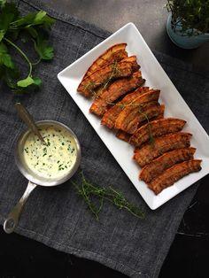 Crispy fried pork with parsley sauce - recipe for Denmark's national dish -->… Crispy Pork, Fried Pork, Denmark Food, Pork Belly Recipes, Food Therapy, Sandwiches, European Cuisine, Scandinavian Food, National Dish
