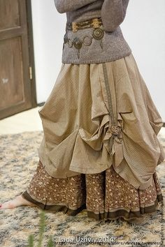AuraGaia ~Flidais~ Poorgirl BoHo Bustleback OverDyed Upcycled Skirt S-XL Vintage Outfits, Boho Outfits, Bohemian Mode, Boho Chic, Bohemian Clothing, Bohemian Gypsy, Hippie Chic, Hippie Style, Mori Girl Fashion