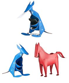 Leather Kangaroo Desk Accessory  ::    By Vaca Valiente  ::    Discover these friendly kangaroo-shaped desk organizers in recycled leather from Argentina.  I want a blue kangaroo!