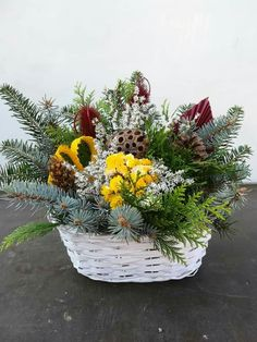 Funeral Flower Arrangements, Funeral Flowers, Floral Arrangements, Container Gardening, Fall Decor, Table Decorations, Pictures, Home Decor, Christmas Decor