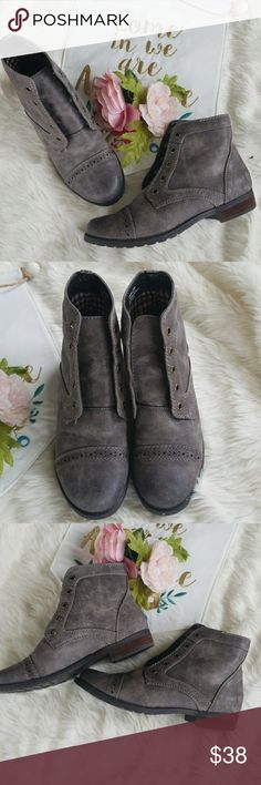G.H. Bass & Co Pamela Boots Adorable gray boots from G.H. Bass & Co in the Pamela style.  Boots are in excellent condition but no laces.  Size 6.5. G. H. Bass & Co Shoes Ankle Boots & Booties
