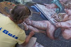 The artist at work Leon Keer, 3d Street Painting, Terracotta Army, Anamorphic, Dutch Artists, Street Artists, Artist At Work, Paintings, Paint