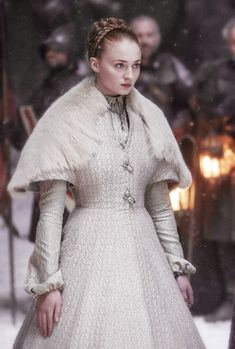 Latest Game of Thrones Trivia Sansa. Game of Thrones Sansa. Game of Thrones. Costumes Game Of Thrones, Game Of Thrones Outfits, Game Of Thrones Dress, Game Of Thrones Sansa, Game Of Thrones Clothing, Sophie Turner, Costume Blanc, Mode Costume, Will Turner