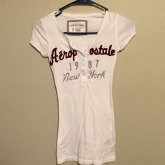 Aeropostale Shirt Aeropostale Shirt. Size XS Aeropostale Tops Tees - Short Sleeve