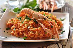 Il risotto alla crema di scampi è un primo piatto elegante e saporito, ideale per cene importanti, cene vegetariane oppure perfetto per la vigilia di Natale. Pochi ingredienti per un risultato garantito.