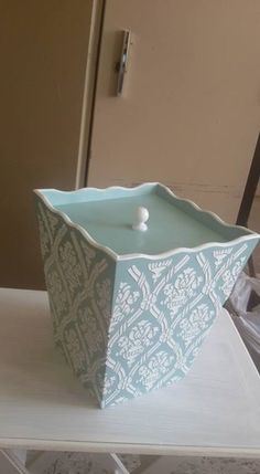 Chalk Paint Projects, Diy Projects, Closet Shoe Storage, Decoupage Box, Card Box Wedding, Covered Boxes, Diy And Crafts, Stencils, Decorative Boxes