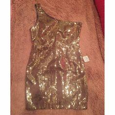 Gold sequin one shoulder dress size m Gold sequined one shoulder dress. Great for a homecoming, prom, fancy night out etc ! Forever 21 Dresses