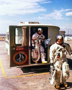 Pretense of Knowledge Apollo Space Program, Nasa Space Program, Nasa Missions, Apollo Missions, Astronauts In Space, Nasa Astronauts, Programa Apollo, Nasa History, Space Race