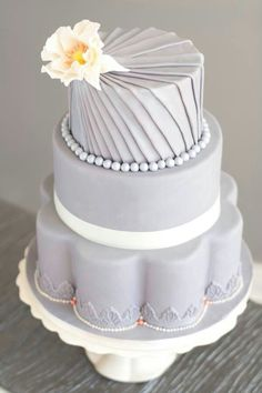 Grey wedding cake - love the bottom of this cake-so different