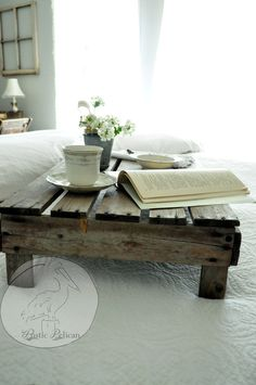 50 Trendy Reclaimed Wood Furniture And Decor Ideas For Living Green | Glitter 'N' Spice