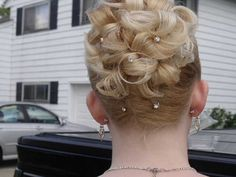 This is how I did my hair for prom :)