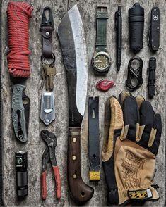 Urban Survival Kit, Survival Prepping, Survival Life, Survival Tools, Bushcraft Kit, Bushcraft Camping, Camping Tools, Camping Gear, Outdoor Survival