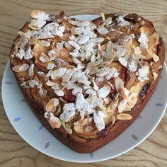 Die Bienenkönigin: Tahiti mit Tahini  Vegan Tahini Cake