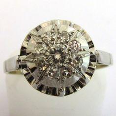 Bague de fiançailles ancienne en platine et diamants 1160 #ring #bague #vintage http://www.bijoux-bijouterie.com/