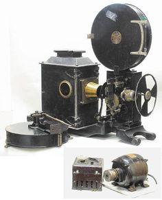 Cinechrome Cinchro cinematograph projector