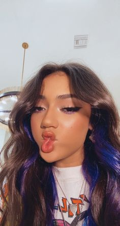 """avani dicaprio (1990s edition) on Twitter: """"peace out twitter for a lil <3 y'all are amazing love you… """" Hair Color Streaks, Hair Dye Colors, Cool Hair Color, Hair Highlights, Hair Inspo, Hair Inspiration, Hair Color Underneath, Peekaboo Hair, Photocollage"""