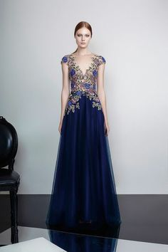 robe bleu marine Patricia Bonaldi avec des dentelles en bleu et gris motifs  floraux en bleu a8b3525227a