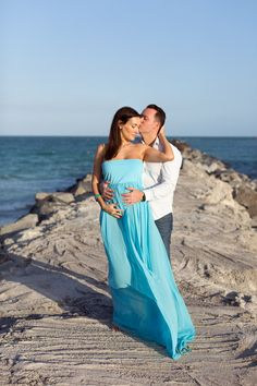 What to wear to a couples or maternity photo session.  © tovaphotography.com Holocaust Memorial, Twin Boys, Miami Beach, Pregnancy Photos, Mom And Dad, Family Photographer, Photo Sessions, Engagement Session, What To Wear