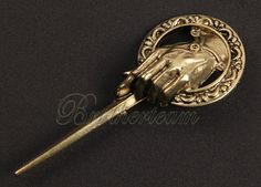 1 pcs of the popular song of Ice and Fire Game Of Thrones Hand Of The King Finger Brooh a song of Ice and Fire Ancient Brooch