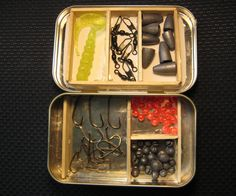 Do you love fishing? If you do, then you will love this mini tackle box made with just an altoids tin and a couple popsicle sticks. This tacklebox will have 6 storage areas for all of your hooks, line, and sinkers (No pun intended).
