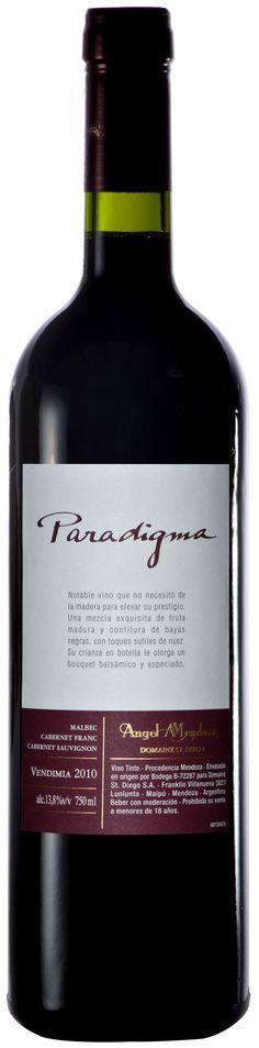 """Paradigma""  CORTE 60% Malbec/ 20% Cabernet Franc / 20% Cabernet Sauvignon 2010 - Bodega Domaine St. Diego, Maipú, Mendoza------------------------------- Terroir: Lunlunta---------------------- Sin paso por madera"
