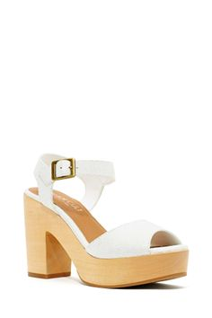 Shoe Cult Brinkley Sandal | Shop Shoe Cult at Nasty Gal