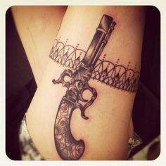 Gun tattoo ideas for women - Tatouage, Image et Tattoo Unique Tattoos For Women, Meaningful Tattoos For Women, Tattoo Designs For Women, Hand Tattoos, Finger Tattoos, Body Art Tattoos, Tattoo Art, Klimt Tattoo, Pistola Tattoo