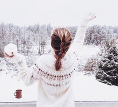 Today is the day where I start posting winter/Christmas pictures! This is the first one ❄ btw, I'm not only going to post these kind of pictures :) Christmas Spheres, Christmas Mood, Xmas Holidays, Felt Christmas, Family Christmas, Christmas Ideas, Merry Christmas, Winter Pictures, Christmas Pictures