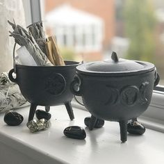 UrbanLune's CastIron Cauldrons Available exclusively at www.urbanlune.com for your altar #altar #wicca #witch #witchesofinstagram #pagan #goddess #tripplegoddess #witchcraft #London #england #pyrite #sage #sacredspace