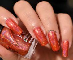 Vernis Jade SUNSET Holographique collection Rainbow Effect. Retrouvez le en boutique ici www.parlezenauxcopines.com International delivery