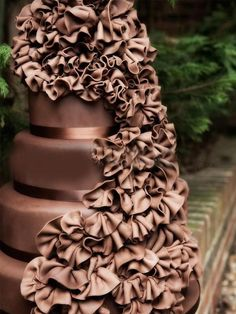 If I ever get married this shall be my cake. and i shall eat all of it!