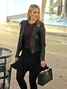Dianna Agron - Dianna Agron Shops For Makeup In West Hollywood